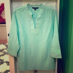 Sharagano eyelet Top Large like new